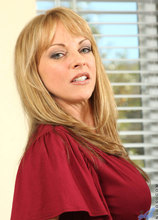 Anilos - Interviewtits Featuring Shayla Laveaux. (photos)